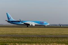 Aeroporto di Schiphol, l'Olanda Settentrionale/Paesi Bassi - 16 febbraio 2019: TUI Airlines Netherlands Boeing 737-800 PH-TFC immagine stock