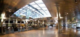 Aeroporto em Innsbruck - verific dentro Imagens de Stock
