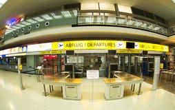 Aeroporto em Innsbruck - verific dentro Imagem de Stock Royalty Free