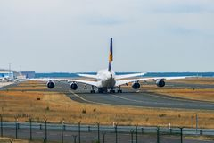 AEROPORTO FRANCOFORTE, ALEMANHA: 23 DE JUNHO DE 2017: Airbus A380 LUFTHANSA Imagens de Stock Royalty Free