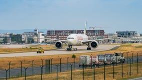 AEROPORTO FRANCOFORTE, ALEMANHA: 23 DE JUNHO DE 2017: BoeingBoeing 777-300ER foto de stock