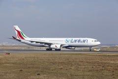 Aeroporto internacional de Francoforte - SriLankan Airlines Airbus A330 decola Fotografia de Stock Royalty Free