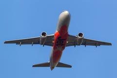 Aeroporto internacional de partida de Jetstar Airways Airbus A320-232 VH-JQL Melbourne Fotos de Stock Royalty Free