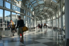 Aeroporto internazionale occupato Immagine Stock Libera da Diritti