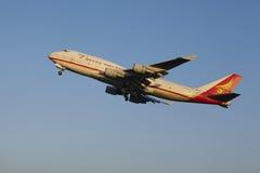 Aeroporto Schiphol di Amsterdam - Yangtze River Express Boeing 747 decolla Fotografia Stock