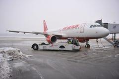 Aeropuerto bajo nieve Fotos de archivo