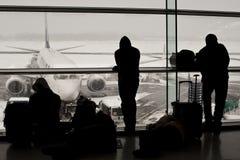 Aeropuerto cerrado, vuelos cancelados imagenes de archivo