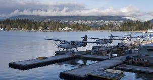 Aeropuerto comercial en la costa Imagen de archivo