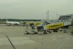 Aeropuerto con el aeroplano de Air France Fotografía de archivo
