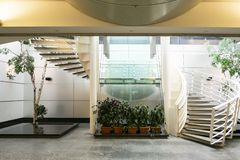 Aeropuerto de Montreal Trudeau Montreal strairway fotos de archivo