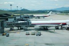 Aeropuerto - delantal Imagen de archivo libre de regalías