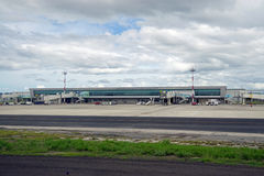Aeropuerto den internationella Daniel Oduber Quiros LIR flygplatsen i Costa Rica royaltyfri foto