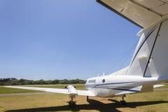 Aeropuerto gemelo plano del motor Imagen de archivo libre de regalías