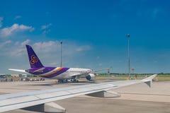 AEROPUERTO INTERNACIONAL de SUVANNABHUMI, BANGKOK, TAILANDIA - junio 18, fotografía de archivo