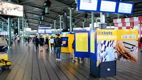 Aeropuerto Schiphol, Países Bajos de Amsterdam, almacen de metraje de vídeo