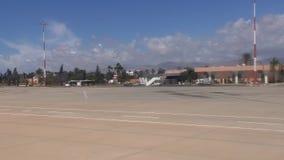 Aeropuerto y pista de Marruecos África de la ciudad de Agadir metrajes