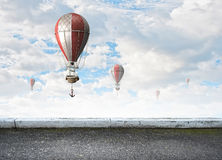 Aerostaten die over hemel vliegen Royalty-vrije Stock Foto