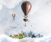 Aerostaten die over hemel vliegen Gemengde media Royalty-vrije Stock Fotografie