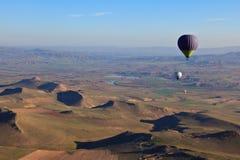 Aerostati di aria calda ad alba in Turchia Fotografia Stock Libera da Diritti