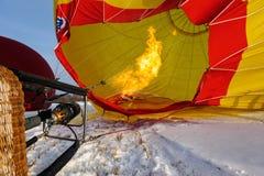 Aerostati di aria calda nel cielo fotografia stock libera da diritti