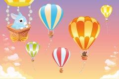 Aerostati di aria calda nel cielo con il coniglietto. Fotografia Stock Libera da Diritti