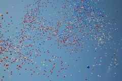 Aerostati di celebrazione rilasciati Immagine Stock