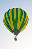 Aerostato che galleggia al cielo Fotografie Stock Libere da Diritti