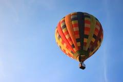 Aerostato con cielo blu Fotografia Stock