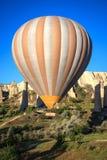 Aerostato di aria calda in Cappadocia, Turchia Immagini Stock