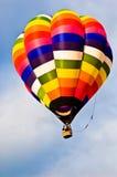Aerostato di aria calda multicolore Fotografie Stock Libere da Diritti