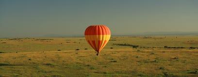 Aerostato di aria calda sopra il Masai Mara Fotografie Stock Libere da Diritti
