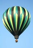 Aerostato di aria calda a strisce immagine stock libera da diritti