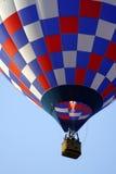 Aerostato rosso, bianco e blu fotografia stock