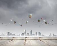 Aerostats no céu Foto de Stock Royalty Free
