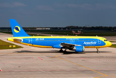 Aerosvit Airlines Airbus A320 Fotografia de Stock