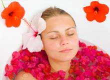 aestethic λουτρό floral relaxation spa Στοκ φωτογραφία με δικαίωμα ελεύθερης χρήσης