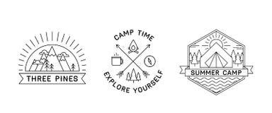 Aet de três logotipos de acampamento ilustração do vetor