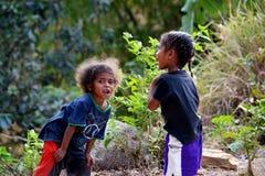 Aeta-Mädchenspielen Lizenzfreies Stockfoto