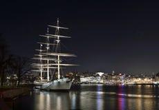 Af沿街叫卖者,现在一艘美丽的老帆船旅舍 库存照片