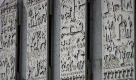 Afbrokkelende concrete muurcijfers stock afbeelding