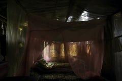Afbrokkelende woonkamer royalty-vrije stock afbeelding