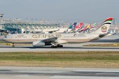 A6-AFD Etihad Airways, Airbus A330-343 Stock Photos