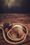 Afeitar los accesorios en fondo de madera Fotografía de archivo