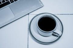 Affär med coffeavbrottstid 2 arkivbilder
