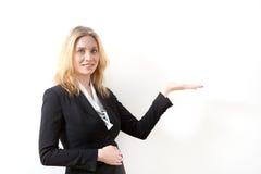 affär som presenterar kvinnan Fotografering för Bildbyråer