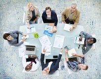 Affär Team Discussion Meeting Analysing Concept Arkivbilder