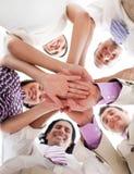 affären hands holdingfolk tillsammans Royaltyfria Bilder