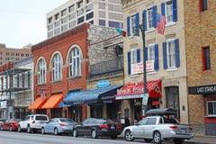 Affärer längs den historiska 6th gatan i i stadens centrum Austin, Texas Royaltyfri Fotografi