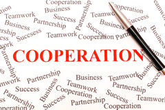 Affärsabstrakt begrepp - samarbete arkivfoton