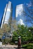 Affärsbyggnader i det finansiella området av Frankfurt Royaltyfri Foto
